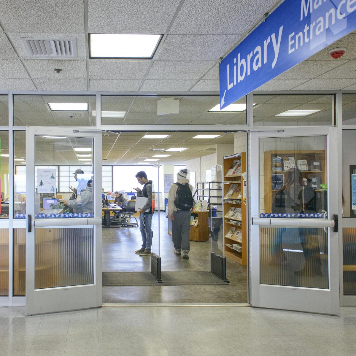 Photo of Naugatuck Valley Community College library