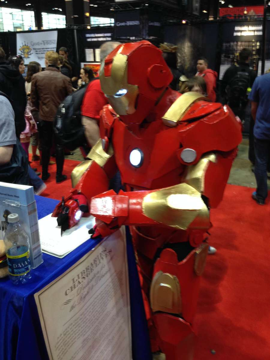 Iron Man signing Declaration for the Right to Libraries at Comic-con