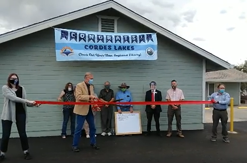 Ribbon-cutting ceremony at Cordes Lakes Library