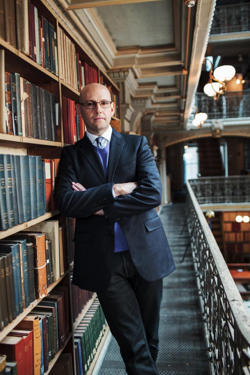 Brad Meltzer (C) 2012 AETN Photo Credit Andy Ryan