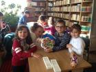 Children at the Bibliotecaoraseneasca Filiasi in Romania play games on International Games Day