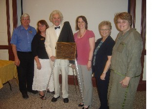 from left: henry sweet (museum curator), dr. cindy lovell (museum executive director), dr. george frein (twain scholar and interpreter), jodie borgerding (readmore committee), karen robinson (readmore committee), hallie yundt-silver (director, hannibal free public library).